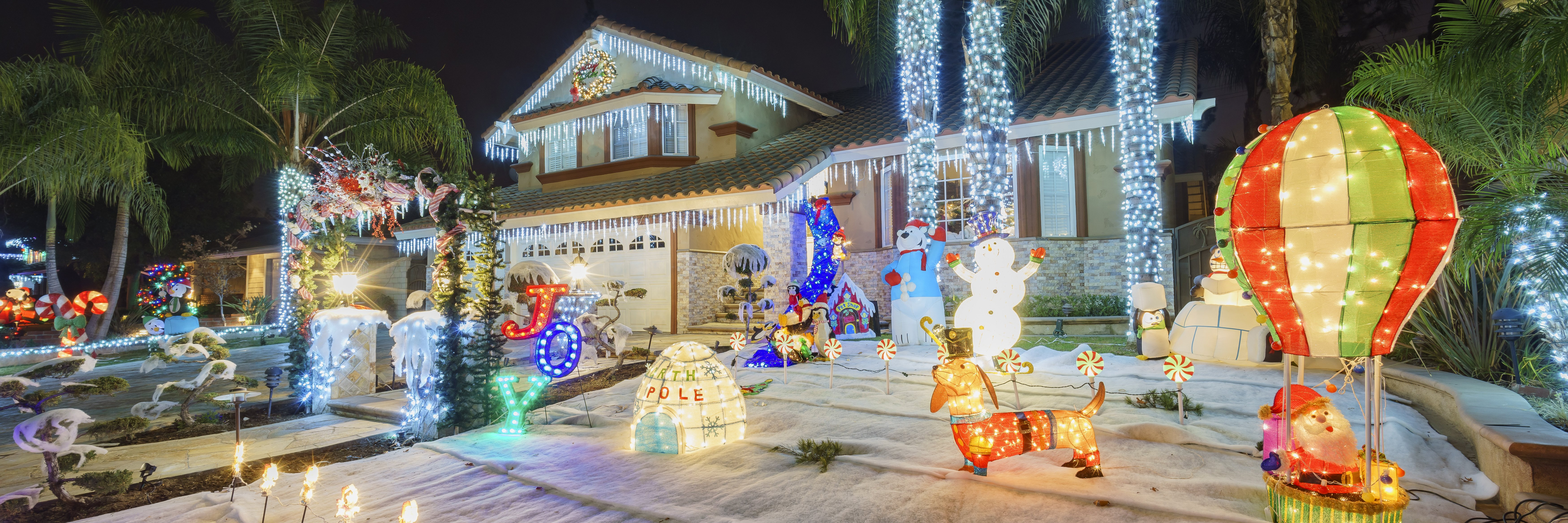 Christmas Lights: A Complete Buying & Installation Guide